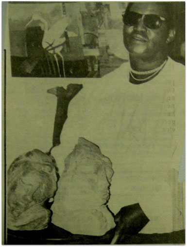 "The sculptor Ben Macala in 1989 with ""Woman Praying"" and ""Leaning Head"" (img © Northcliff Melville Times 22nd Aug 1989)"