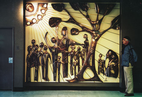 Michael Fleischer and his mural at the Johannesburg General Hospital