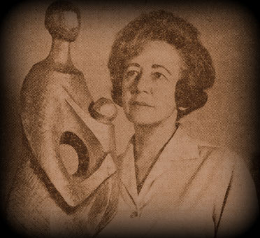 The South African sculptress Lily SACHS in 1966 with one of her works (img. Pretoria Art Museum archives)